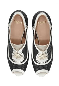 Bally - Damenschuhe Vans Classic Slip On, Sneakers, Shoes, Style, Fashion, Dressmaking, Ladies Shoes, Dressing Up, Tennis