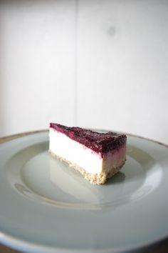 ロー・ブルーベリーマスカルポーネチーズケーキ http://www.livinglifemarketplace.com/ http://karmaorganics.jp/ #rawfood #rawvegan #glutenfree #rawdessert #rawcake #nondairy #llmp #karmaorganics  #okinawa  #カルマオーガニクス #ローフード #ローヴィーガン