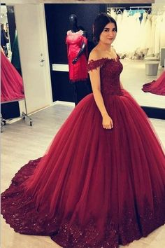 Charming Off-the-shoulder Beaded Lace Burgundy Ball Gown Prom Dresses Vestido De Baile Quince Dresses Burgundy, Burgundy Quinceanera Dresses, Red Wedding Dresses, Ball Gowns Prom, Ball Dresses, Prom Dresses, Royal Dresses, Sweet 16 Dresses, Pretty Dresses