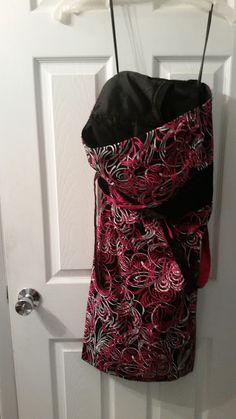Loft strapless dress.  EUC.  Size 12 but small in chest.  $20