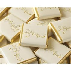Sjokolade til bryllup - Just Married - Hjerter Gull - 48 stk - Til Bryllupet Chocolate Gold, Chocolate Squares, Chocolate Hearts, Party Sweets, Wedding Sweets, Wedding Favours, Handmade Wedding, Diy Wedding, Wedding Gifts