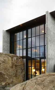 Casa dos Claros: a Bright, Secluded Residence by Contaminar Arquitectos   Yatzer