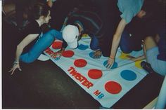 twister . // you cAN'T TELL ME THIS IS NOT THEM I SEE BECK AND DAMO AND DANIELLE AL;SKDF;LKSDJ