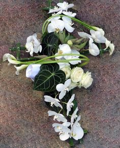 Sympathy Flowers, Funeral Flowers, Frame, Plants, Flowers, Cool Ideas, Picture Frame, Plant, Frames