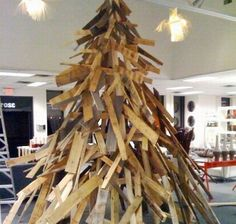 scrap lumber tree | 10 Most creative christmas trees made using recycled materials ...