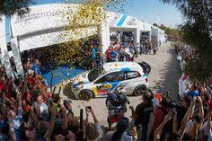 Die alten Weltmeister sind auch die neuen: Mit einem Sieg bei der Rallye Spanien haben Sébastien Ogier und Julien Ingrassia (F/F) erneut den Rallye-WM-Titel in der Fahrer- und Beifahrerwertung geholt. ... Read More