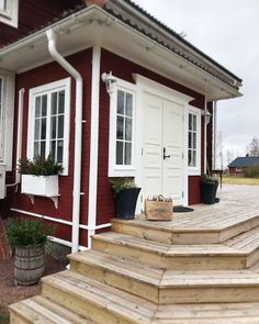 Deck Stairs, Country Style, Garage Doors, Villa, Farmhouse, Layout, Exterior, Mansions, Outdoor Decor