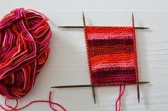 Heute möchte ich Euch zeigen, wie man schnell ein paar Babyschuhe stricken kann. Ihr benötigt dafür ca. 25 g Sockenwolle, ein Nadelspiel in...