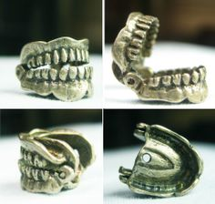 Choppers Chattering Teeth Jaw Opens Vintage Silver Charm Halloween Dentist - sold for 37 usd