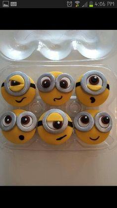 Minion cupcakes Geek Birthday, Superhero Birthday Cake, Star Wars Birthday, Star Wars Party, Baby Birthday, Birthday Cakes, Minion Cupcakes, Cupcake Cookies, Cake Minion