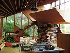 Amazing Wooden Home- Walstrom House by John Lautner | http://www.designrulz.com/design/2013/02/amazing-wooden-home-walstrom-house-by-john-lautner/