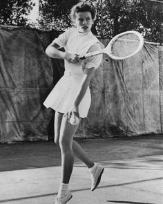 Farrah Fawcett Tennis Outfit The Definitive Guide To Iconic Tennis Style For Wimbledon A Look Back At The Style That Made Farrah Fawcett A Star Vintage Photos Of Celebrities Playing Tennis Outfits Who Farrah In 2019 Farrah Fawcett Tennis Jaclyn Smith Farrah Fawcett A Life In Pictures Media The Guardian Wimbledon 2019 Women S Tennis Players Winning Gear Outfits Farrah Fawcett A Life In Pictures Media The Guardian Photos The Best Of Michael Jackson And Farrah Fawcett Charliesangels Com 1 Charlie S Katharine Hepburn, Audrey Hepburn, Old Hollywood Stars, Old Hollywood Glamour, Classic Hollywood, Tennis Players Female, Tennis Match, Tennis Fashion, Farrah Fawcett