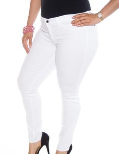 Best white jeans for your body shape Best White Jeans, White Pants, Ripped Boyfriend Jeans, Ripped Jeans, Cheap Pants, The Chic, Body Shapes, High Waist Jeans, Plus Size