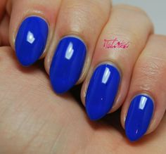 Stunning Cobalt Blue Nails For Elegant Ladies Cobalt Blue Nails, Blue And Silver Nails, Nail Manicure, Nail Polish, Manicures, Summery Nails, Modern Nails, Pretty Nail Designs, Electric Blue