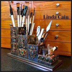 An Altered Desk Organizer Diy Crafts Hacks, Diy Home Crafts, Diy Arts And Crafts, Bottle Art, Bottle Crafts, Diy Clay, Clay Crafts, Steampunk Crafts, Clay Art Projects