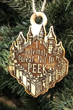 Make Your Christmas Even More Magical With These Harry Potter Ornaments, DIY and Crafts, 20 Best Harry Potter Ornaments - Harry Potter Christmas Tree Ideas. Harry Potter Christmas Decorations, Harry Potter Christmas Tree, Hogwarts Christmas, Christmas Tree Ornaments, Diy Ornaments, Christmas Ideas, Christmas Girls, Magical Christmas, Christmas Quotes
