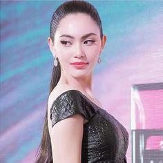 """""""ใหม่ ดาวิกา"""" สยบข่าวลือเตรียมซบช่อง3 ยันยังเหลือสัญญากับช่อง 7อีกนาน   สำนักข่าวทีนิวส์ Beautiful Asian Women, Beautiful Indian Actress, Adriana Lima Lingerie, Mai Davika, Blackpink Fashion, Asian Woman, Pretty Woman, Asian Beauty, Cool Girl"""