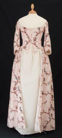 Italian Gown c1780 Snowshill Manor © National Trust / Simon Harris p65 in Nancy Bradfields 'Costume in Detail'