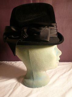 Vintage Gwenn Pennington Woman's Black Velvet Fedora by elee219, $10.00
