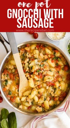 This easy Gnocchi recipe is made with chicken sausage, spinach, tomatoes and red peppers for a veggie-loaded meal that's ready in 30 minutes! #gnocchi #onepan #dinner #recipes | gnocchi | one pan meal | one pan pasta | one pot pasta | easy dinner ideas | dinner recipes | one pot dinner | chicken recipes Noodle Recipes, Veggie Recipes, Easy Recipes, Chicken Recipes, Chicken Red Pepper Recipe, Red Pepper Recipes, Skillet Recipes, Slow Cooker Recipes, Cooking Recipes
