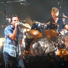 El grupo Pearl Jam repartirá tapones para los oídos en sus conciertos en colaborabión con la ONG MusiCares