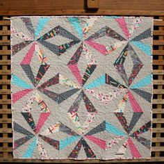 Crazy Star quilt by I Heart Linen.  Block tutorial available here - http://iheartlinen.typepad.com/i_heart_linen/2012/03/crazy-star-quilt-tutorial.html
