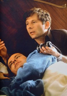 Roman Polanksi and Jack Nicholson on the set of #CHINATOWN (Roman Polanski, USA, 1974) | Source: Cinephilia Beyond