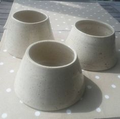 Hand made Spaniel water bowls for dogs with long ears.  Dishwasher safe pottery. Made in Finland.