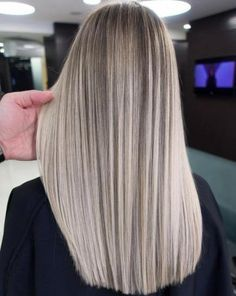 Sensational Smoky Blonde Hair Color Trends in 2018 is part of Hair Color Trends For Southern Living - If you are recently searching for latest shades of hair colors then you must try our most amazing smokey blonde hair colors and hairstyles for 2018 Balayage Straight Hair, Balayage Hair, Ombre Hair, Babylights Blonde, Blonde Hair Looks, Brown Blonde Hair, Blonde Highlights, Blonde Color, Short Hair Cuts
