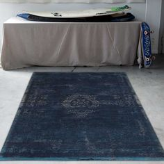 Fading World 8254 Blue Night Designer Luxury Rug By De Poortere Hallway Runner, Traditional Rugs, Weaving Techniques, Contemporary Rugs, Rug Making, Crafts To Make, Things To Come, Tapestry, Pure Products