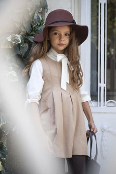 Love this dress style for a cute school uniform