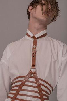 Sampedro Accesories unveiled its second collection inspired by traditions and folklore of the Basque Country in Spain with harnesses, chokers, belts, necklaces, bracelets handmade in natural leather. Oier and Carlos are the names behind Sampedro Accesorie Leather Harness, Leather Belts, Leather Braces, Aesthetic Boy, Mens Fashion, Fashion Outfits, Mode Style, Pose Reference, Natural Leather