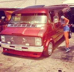 Custom 70's Dodge Tradsman van