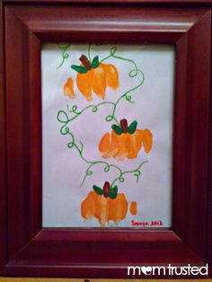 DIY Halloween : DIY making pumpkin prints with your knuckles