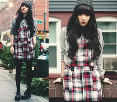 Sway Chic Overall Dress, Clarissa Explains Shoes Winter Outfits 2014, Spring Outfits, Japan Fashion, Love Fashion, Girl Fashion, Fashion Outfits, Fashion Tights, Fashion Games, London Fashion Weeks