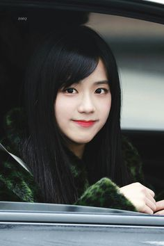 The most beautiful female idol chart in real life voted by the idol: Black Pink and Yoona are excellent, but the new class is unexpected - My Idol - Info Korea Blackpink Jisoo, Snsd, Yoona, Forever Young, Kim Jennie, South Korean Girls, Korean Girl Groups, Square Two, Black Pink ジス