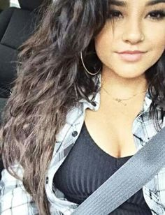 Becky g new piercing. Brunette Beauty, Hair Beauty, Famous Celebrities, Celebs, Becky G Style, Becky G Outfits, Marie Gomez, Beautiful Person, Beautiful Ladies