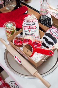 Amei esta decoração com o tema Pizza!!!  Muitas fofuras nesta festa, vocês não acham???  Imagens retiradas do site Anders Ruff .  Lindas id...