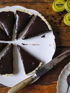 Chocolat licorice tart (La tarte au chocolat à la réglisse)