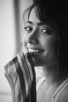 Actress Rashmika Mandanna Latest Cute Stills - Social News XYZ Actress Latest Cute Stills Beautiful Girl In India, Beautiful Girl Photo, Cute Girl Photo, Most Beautiful Indian Actress, Beautiful Actresses, Cute Girl Poses, Girl Photo Poses, Girl Photography Poses, Girl Photos