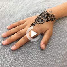 Henna Design By Fatima - Small Henna Tattoos, Simple Henna Tattoo, Henna Tattoo Hand, Hand Tattoos, Pretty Henna Designs, Latest Mehndi Designs, Mehndi Designs For Hands, Small Henna Designs, Wrist Henna