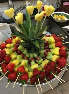 New fruit party platters edible arrangements Ideas Healthy Fruits, Fruits And Veggies, Fruits Basket, Vegetables List, Alkaline Fruits, Eating Healthy, Easter Appetizers, Appetizer Recipes, Brunch Appetizers