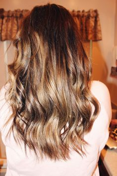 Hair Tutorial: Relaxed Waves – Theresa Marie Daily