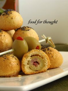 Parmesan balls stuffed with olives Appetisers, Greek Recipes, Caramel Apples, Food For Thought, Finger Foods, Baked Potato, Muffin, Food And Drink, Cooking Recipes