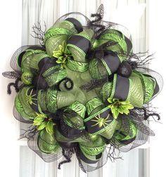 Deco Mesh Wreath Ideas | FuNkY HaLlOwEeN Deco Mesh Wreath Lime Green Black Halloween Decor | best stuff