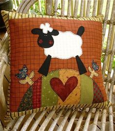 Really cute sheep applique throw pillow Applique Cushions, Patchwork Cushion, Quilted Pillow, Applique Quilts, Embroidery Applique, Small Quilts, Mini Quilts, Baby Quilts, Applique Patterns