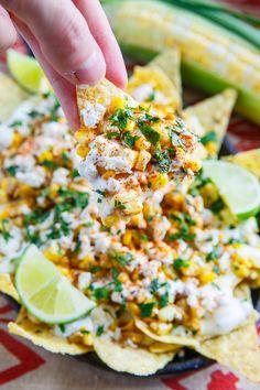 色鮮やかで、見た目から楽しいメキシコ料理。みんなでわいわい楽しみながら作れるタコスレシピや、パーティーにぴったりの大皿料理レシピをご紹介します。さらに、今すぐ真似したくなるような、海外のおしゃれなタコスパーティーもご紹介します♪盛り付けや、テーブルコーディネートの参考にしてみて下さい☆