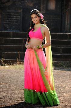 Photos of Indian Cinema Actresses: Kriti Kharbanda Indian Bridal Lehenga, Indian Beauty Saree, Beautiful Girl Indian, Most Beautiful Indian Actress, Beautiful Actresses, Indian Dresses, Indian Outfits, Kirti Kharbanda, Pink Lehenga