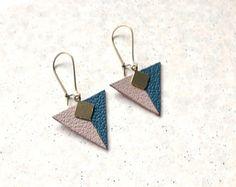 Pendientes triángulos de cuero bicolor
