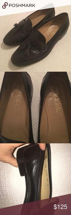 💯AUTHENTIC LADIES GUCCI LOAFERS Almost identical to the newest release Gucci feline loafers (stock picture above) - they are in GREAT condition, with the only real sign of wear on the sole and one tiny scratch on the right toe (as seen in pics). Size 36C or ladies size 6US Gucci Shoes Flats & Loafers